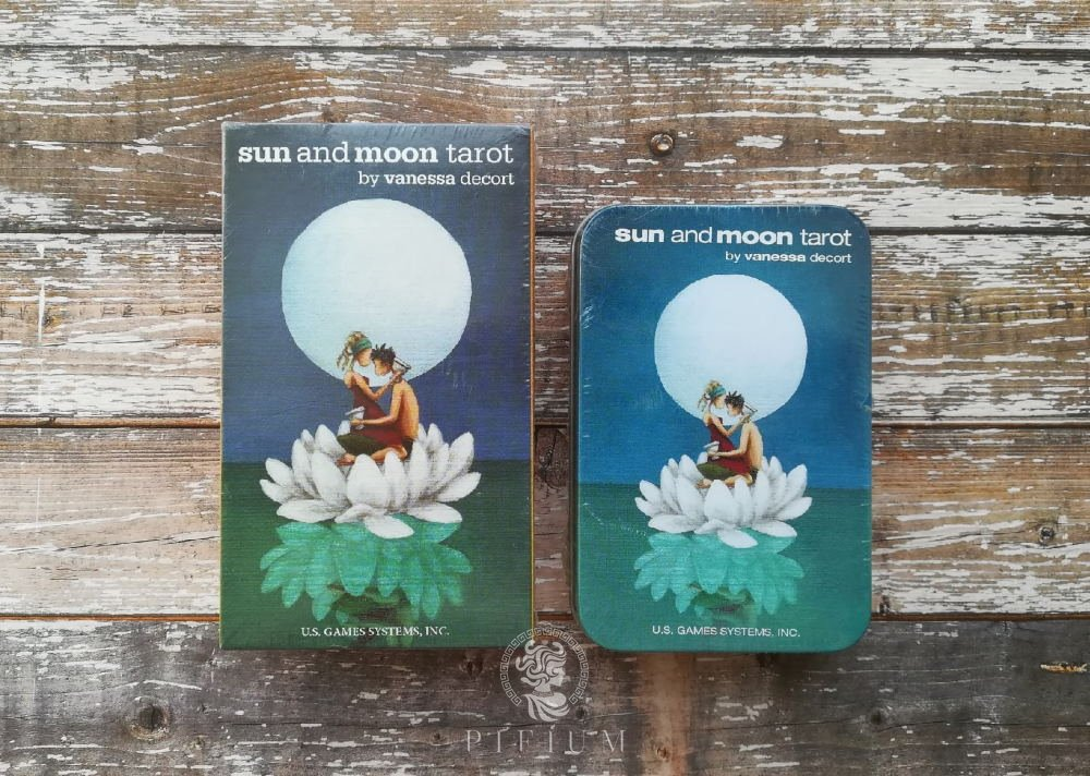 Таро Солнца и Луны (Sun and Moon Tarot) жестяная коробка